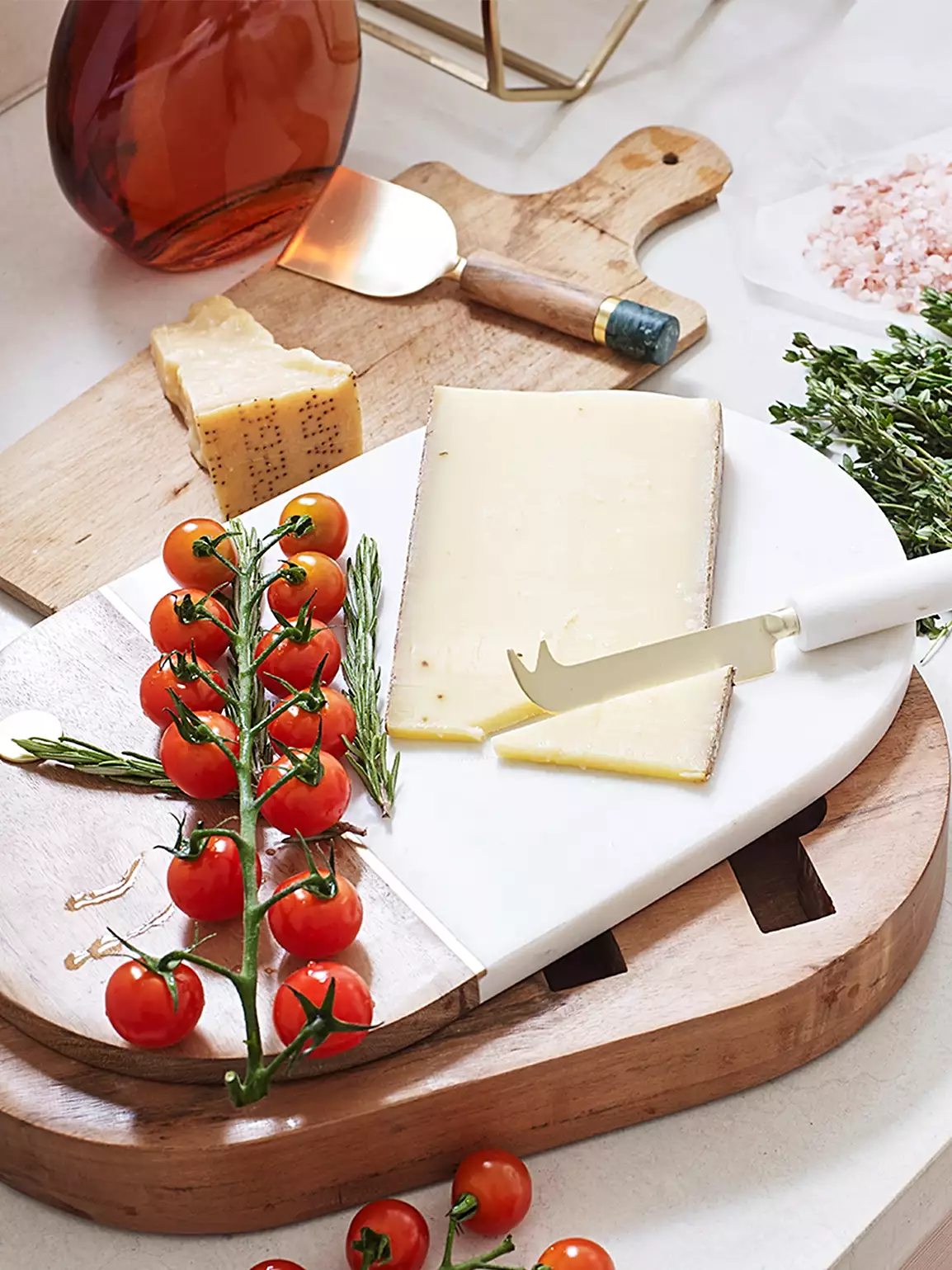 Cheese Board with Knives, Kinship