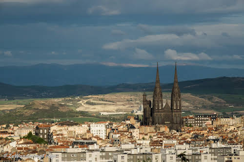 Top Auvergne Destinations: Things to Do in Clermont-Ferrand // Clermont-Ferrand Cathedral
