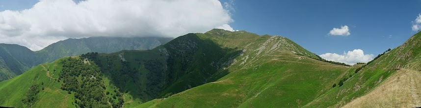 Photo: Monte Zeda (a sinistra fra le nuvole) e Monte Vada (al centro)