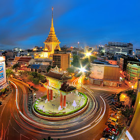 by Chatchai Lakamankong - City,  Street & Park  Historic Districts