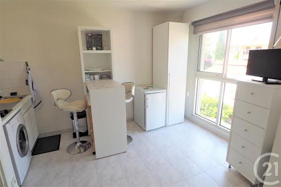 Location studio meublé 17,41 m2