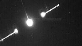 Momento de máxima luminosidad del bólido celeste en una foto capata por Calar Alto.