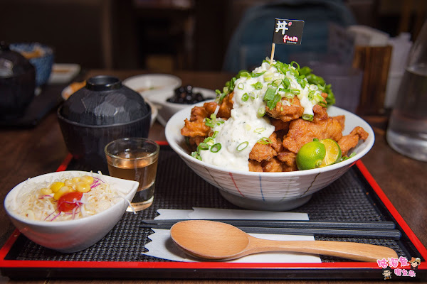 人氣高的超份量日式丼飯、炸牛排專賣店,採自助式點餐機點餐!