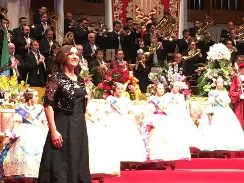 El Ayuntamiento de Alboraya promueve el himno regional interpretado por la soprano Mónica Bueno.