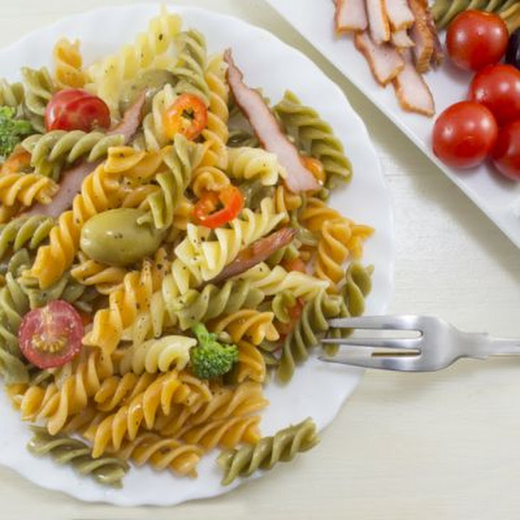Simple Pasta Salad With Garlic Vinaigrette