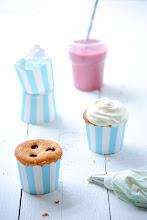 Photo: 33. Lemon Raspberry Cupcakes in the making Blog-Love Nonpareille  Name: Sara Heinen Blog URL: www.lovenonpareille.com  Post:  http://www.saraheinen.de/lovenonpareille/index.php/mitmachen-und-fruhling-gewinnen/  Cam:  Nikon D3000, 55 – 200 mm