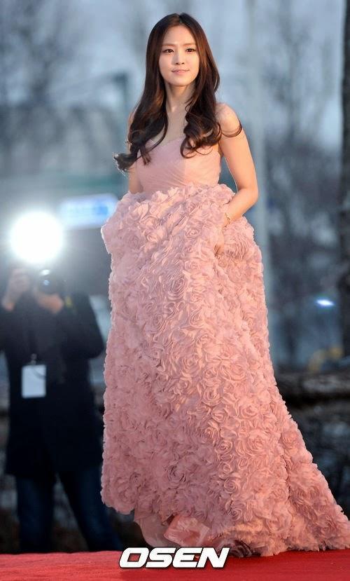 naeun gown 14