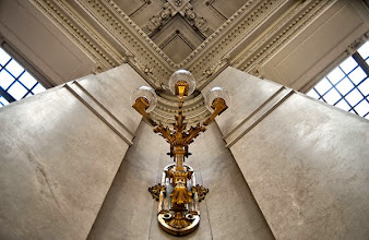 Photo: 8 - Apparecchi illuminanti del salone del pubblico