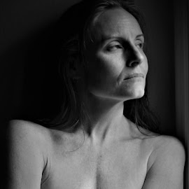 Moonlight on her face by Robert C. Walker - Nudes & Boudoir Artistic Nude ( shoulders, face, sexy, erotic, nude, breast )