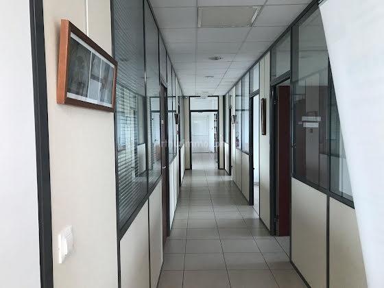 Location divers 17 pièces 450 m2
