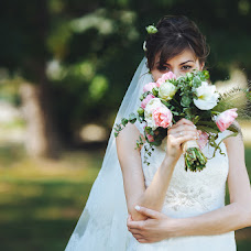 Wedding photographer Tatyana Suyarova (TatyanaSuyarova). Photo of 16.06.2014