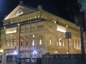 Photo: コロン劇場(前を通っただけ)。近年改装され周辺も整備されていました。