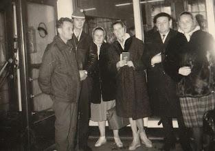 Photo: Od prawej strony Pałka Maria , Kazimierz Aksamit , Latocha , Anna Guzy , Jan Bukowski , Jan Latocha.  Zdjęcie udostępnione prze P.Ewe Aksamit.