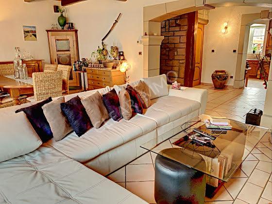 Vente maison 8 pièces 345 m2