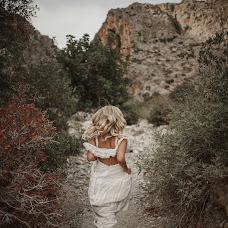 Wedding photographer Dimitris Manioros (manioros). Photo of 27.04.2018