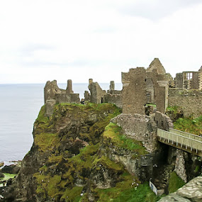 dunluce castle 4 by AB Rossouw - Buildings & Architecture Public & Historical ( building, cliff, castillo, sea, castle )