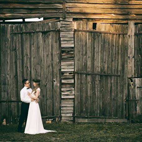 Wedding photographer Wojtek Hnat (wojtekhnat). Photo of 12.12.2017