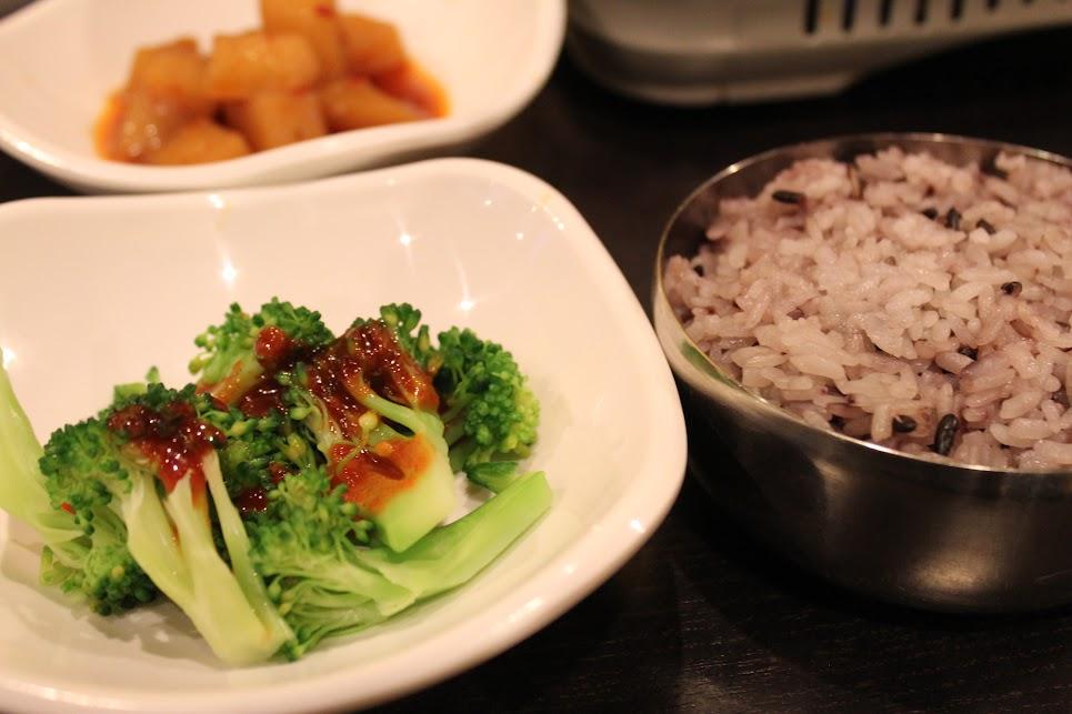 Side dishes at Uijeongbu Budae Jjigae in Toronto 반찬 의정부 부대찌개 토론토