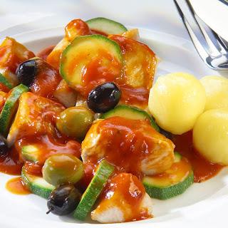 Mediterranes Putengulasch mit Oliven