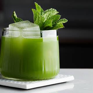 Matcha-Gin Cocktail.