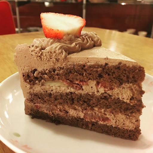 草莓巧克力鮮奶油蛋糕