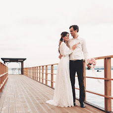 Wedding photographer Vadim Kalashnikov (Hameleon18). Photo of 17.09.2016