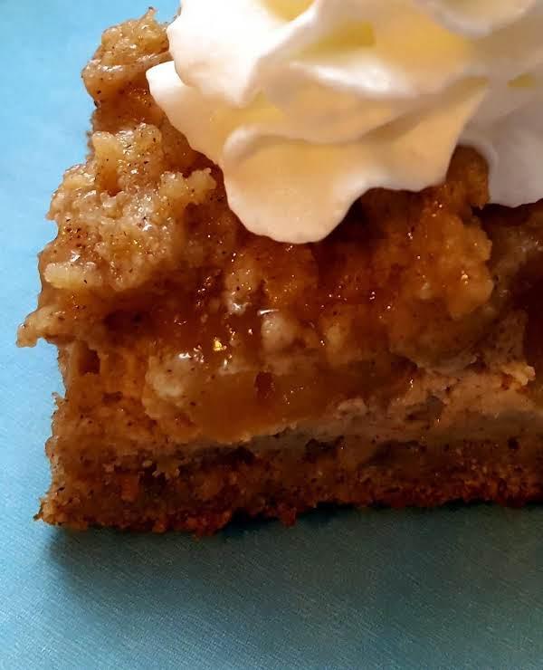 Apple Streusel Cream Cheese Bars Recipe