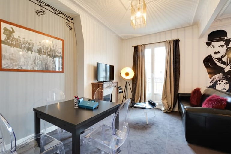 Cosy living area in Boulevard Serviced Apartment, Saint Germain