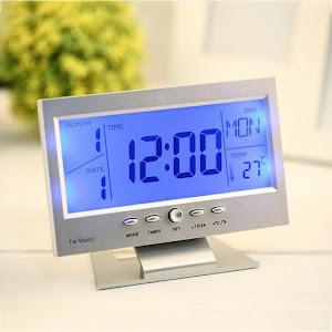 Ceas cu ecran LCD si control vocal