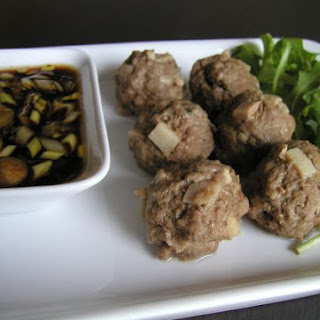 Steamed Beef Balls With Winter Bamboo Shoot