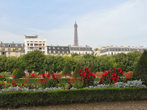 Photo: The gardens on the south side of theMusée de l'Armée