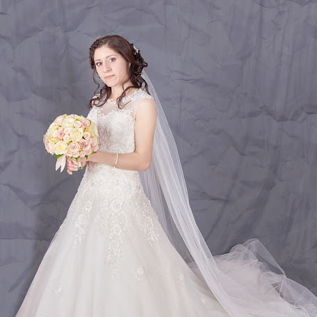 Wedding photographer Anzhella Starkova (starkova). Photo of 09.12.2017