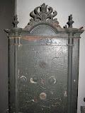 ตู้เซฟโบราณจากต่างประเทศของมรดก อายุกว่า 200 ปีครับมีชิ้นเดียวในโลกครับ