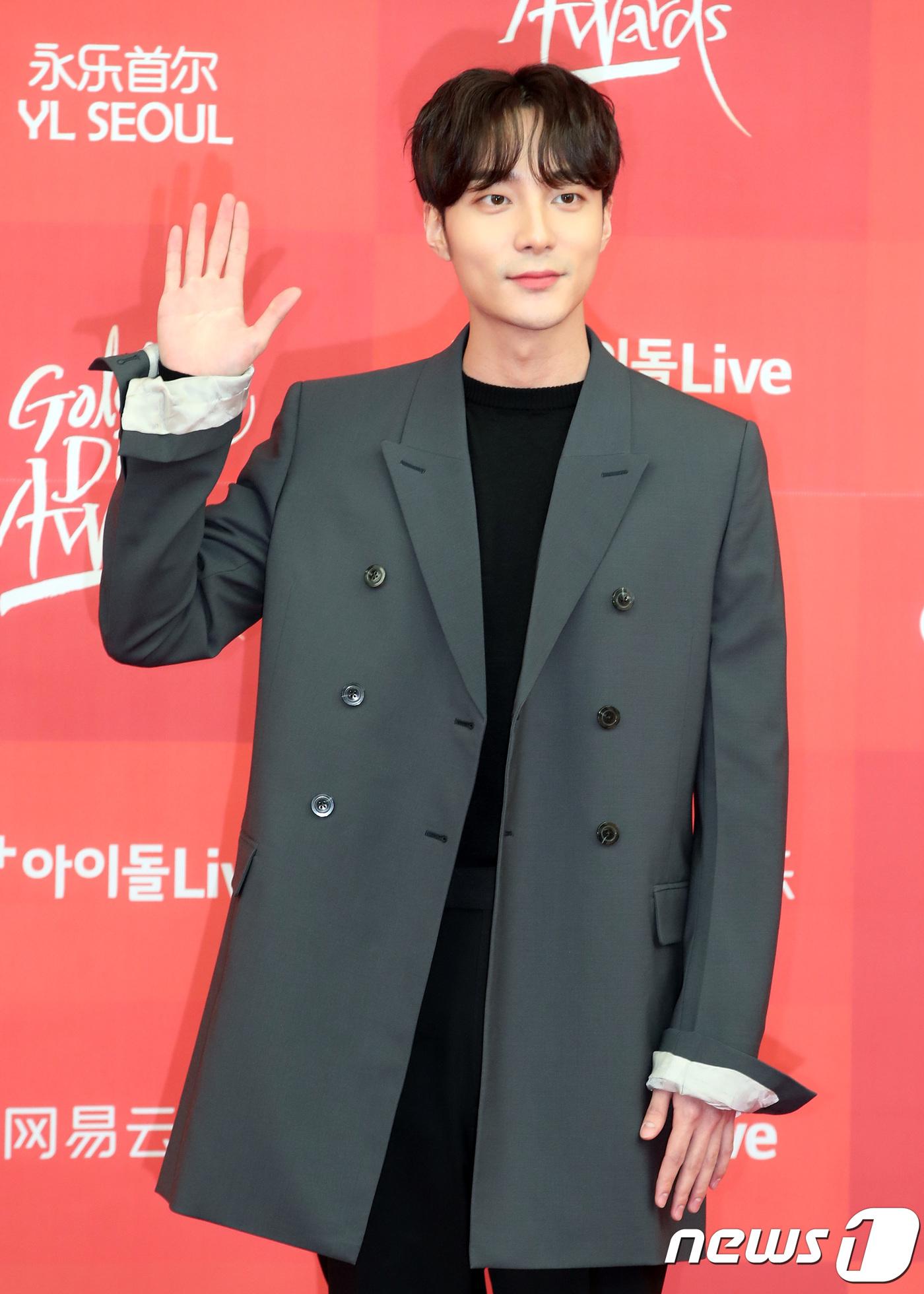 roy kim comeback 1