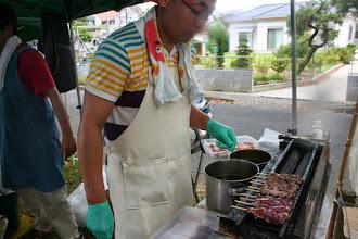 Photo: やきとりいっちゃん。こちらも熱く暑いですが、焼き立てを提供しています。国産鶏肉のみ使用。