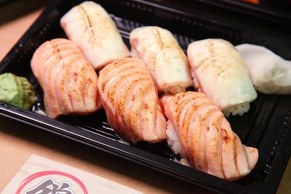 台南美食錦 平價壽司專賣迷人炙燒鮭魚握壽司,台南大學附近美食