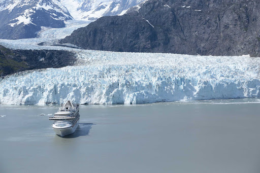 crown-princess-in-glacier-bay2.jpg - Crown Princess in Glacier Bay, Alaska.