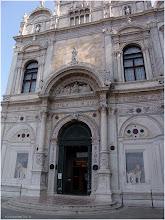 Photo: Barrio de Cannareggio Scuola di San Marco Venecia http://www.viajesenfamilia.it/