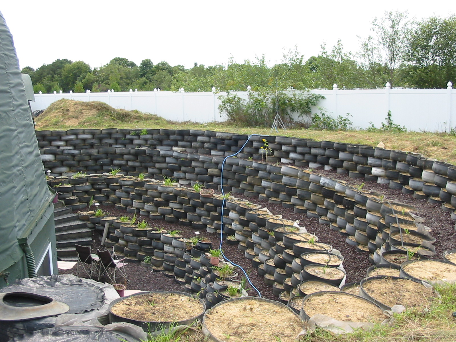 Photo: Packin' Tire Garden  Establishing Shot 02