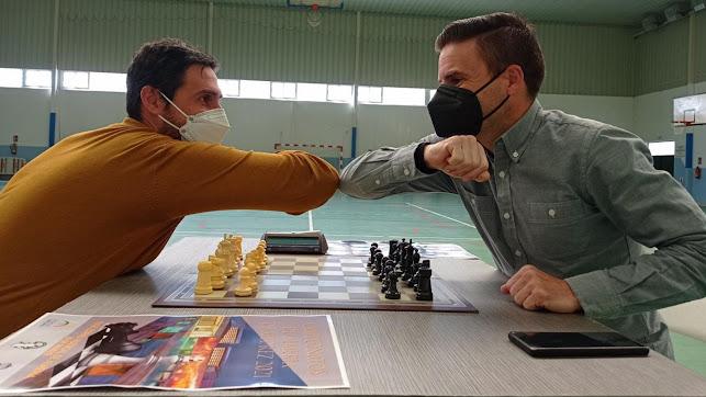 Jesús Pomedio y Miguel Álvarez esperan a los mejores ajedrecistas.