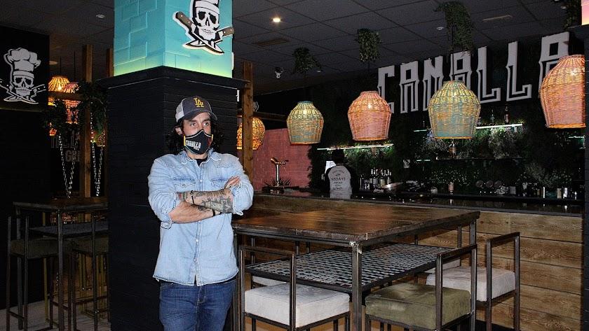 Raúl Martín López en su restaurante Canalla Grill.