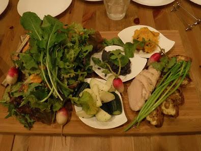 農家サラダが豪華な前菜プレートでした!うちのサニーレタスとルッコラ発見!キッシュには、うちの納豆入ってました!