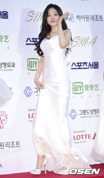 naeun gown 25
