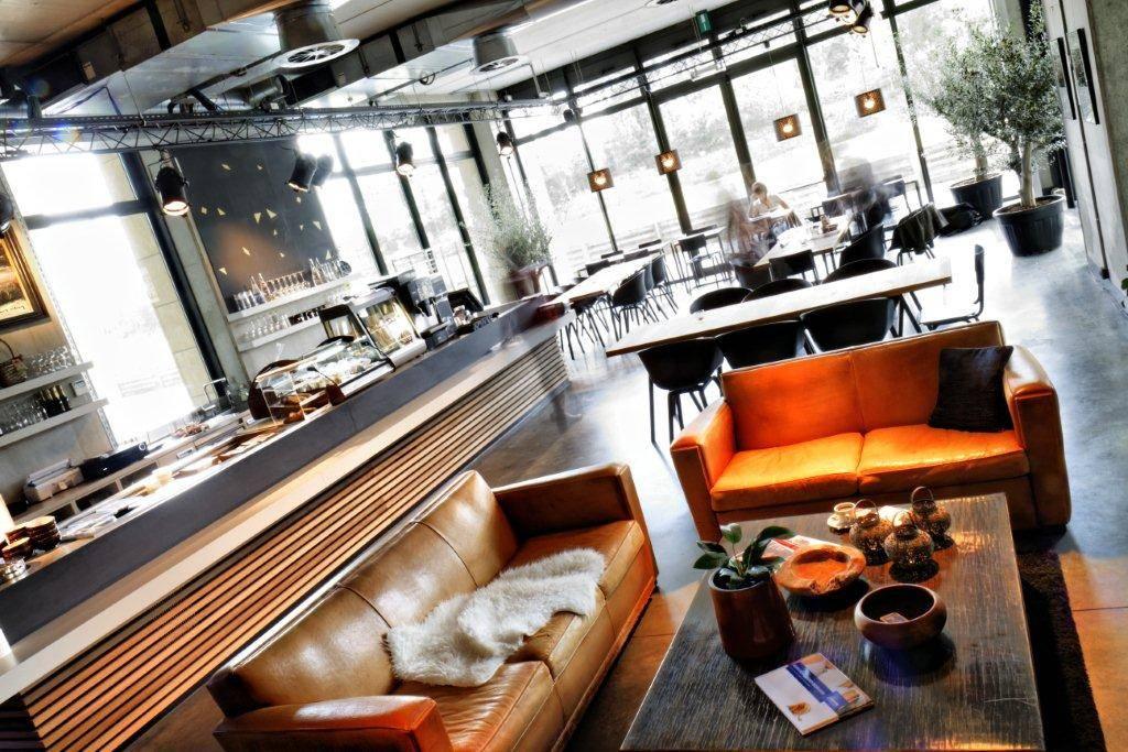 Pure Ü - trendy office lunchbar @ Philipssite