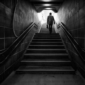 To the light by Jan Egil Sandstad - Black & White Street & Candid ( oslo )