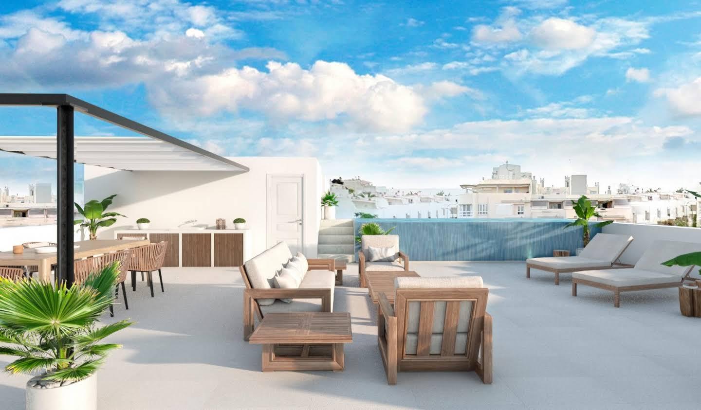 Maison contemporaine avec piscine en bord de mer Palma