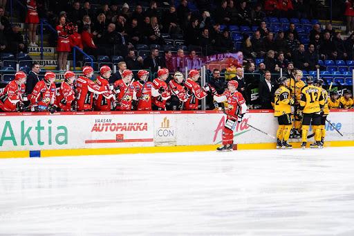 Det blev äntligen tre poäng framför hemmapubliken i Vasa Elektriska Arena.