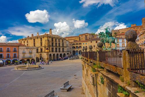 plaza mayor, Trujillo, Cáceres by -. Phœnix .- - City,  Street & Park  Vistas ( trujillo, cáceres )