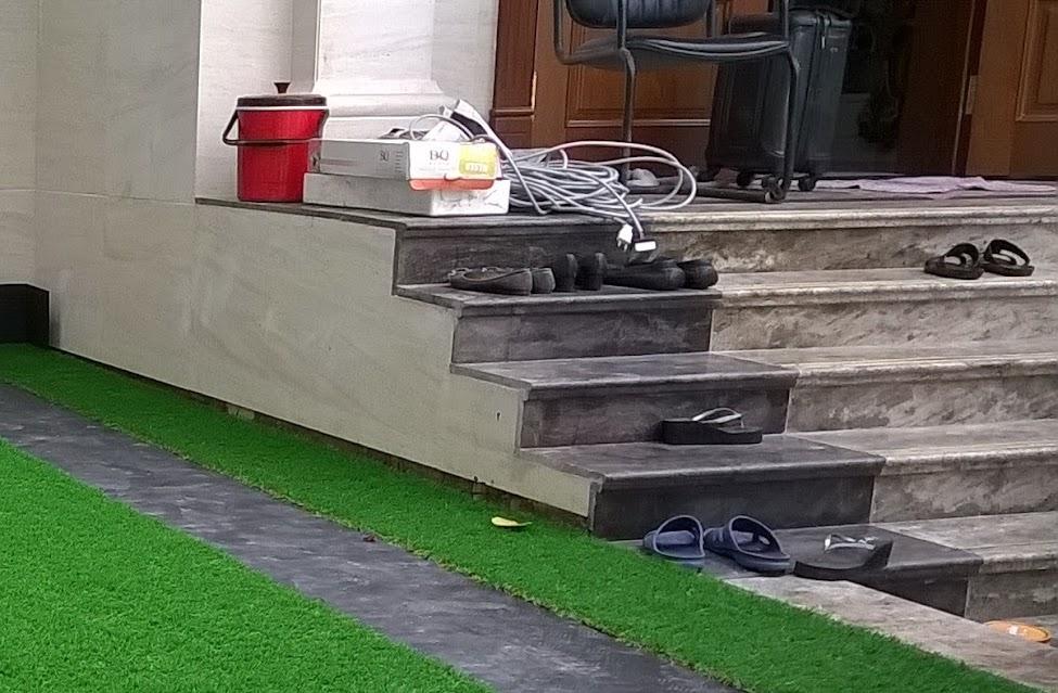 xu thế xài cỏ nhân tạo ban công càng ngày tăng