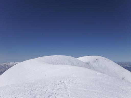 ここに来て山頂が(人の姿を初めて見る)